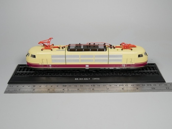 Ho ölçekli model Atlas 1: 87 Tren BR 103 226-7 1973 Diecast model Tren